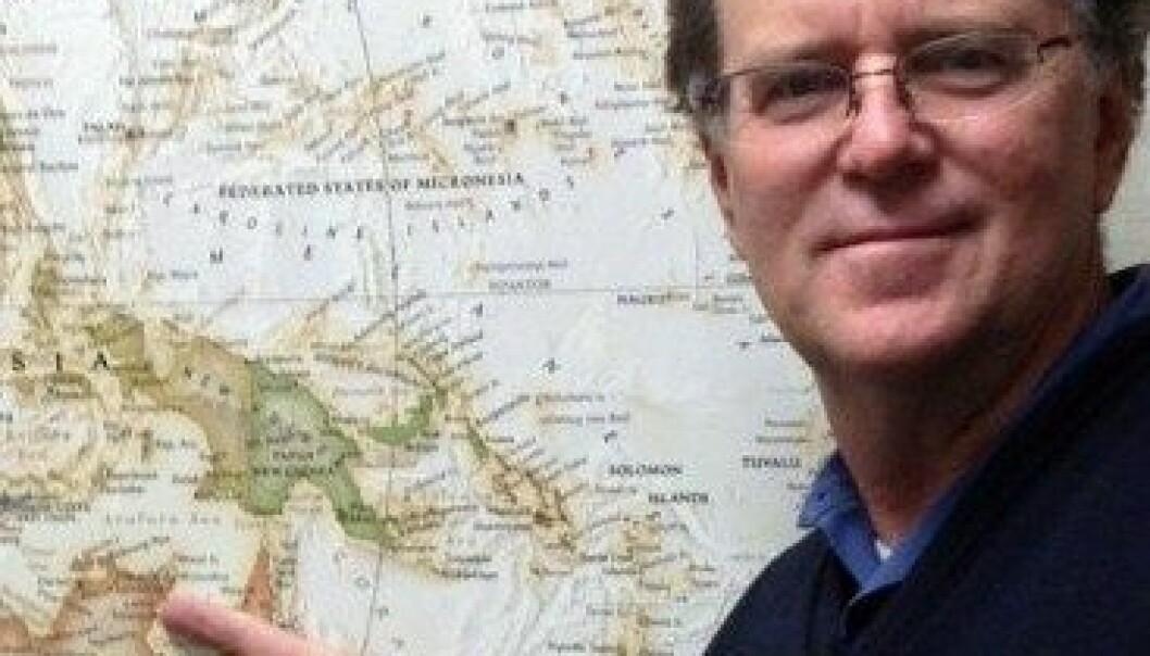 Den australske professoren Ian McIntosh har fem gamle kobbermynter og et kart med en stor 'X' på. Med disse hjelpemidlene skal han finne ut hvem som oppdaget Australia. Purdue University