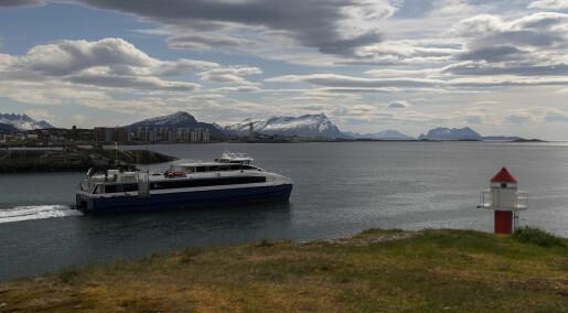 Når hurtigbåten kun stopper på signal, får det konsekvenser for velferden til folk i Nordland