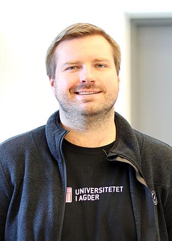 Førsteamanuensis Reyn O'Born har samarbeidd med Statens vegvesen om tiltak for å redusere utslepp ved bygging og vedlikehald av veger i Noreg.
