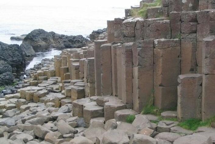 Giant's Causeway i Nord-Irland består av omtrent 40.000 polygoner. (Foto: Wikimedia commons)