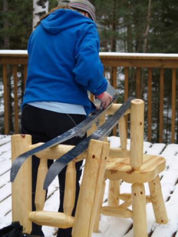 Swix vil redusere avgassene som folk utsettes for når de smører skiene sine. (Foto: iStockphoto)