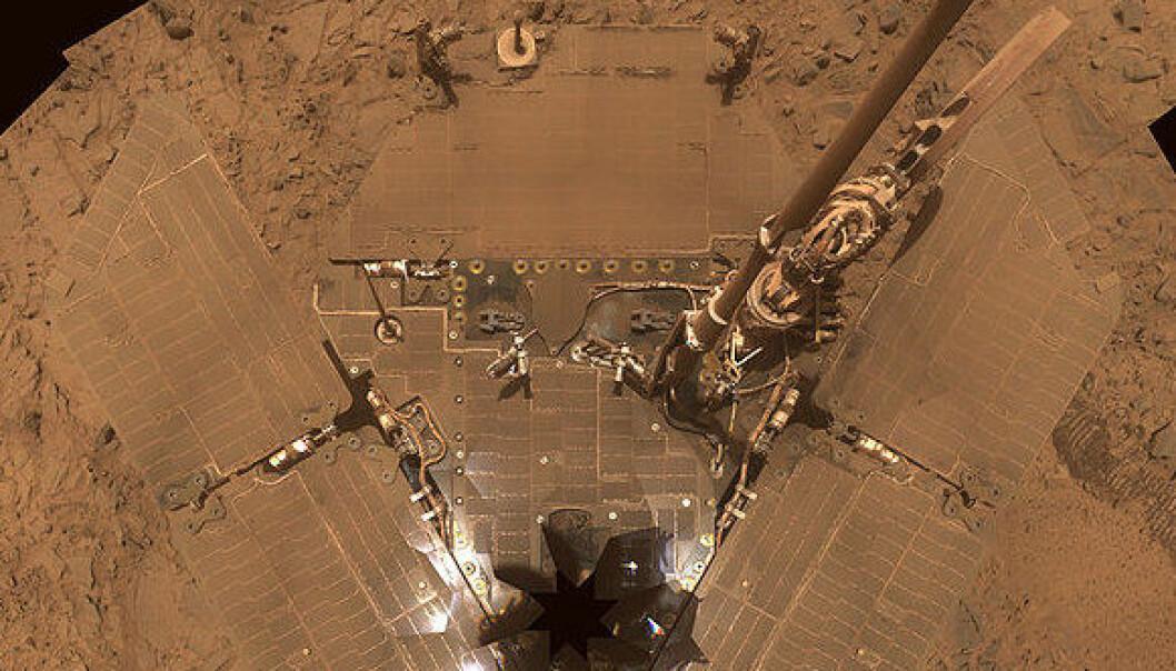 Dette selvportrettet tok Spirit i 2007. (Foto: NASA)