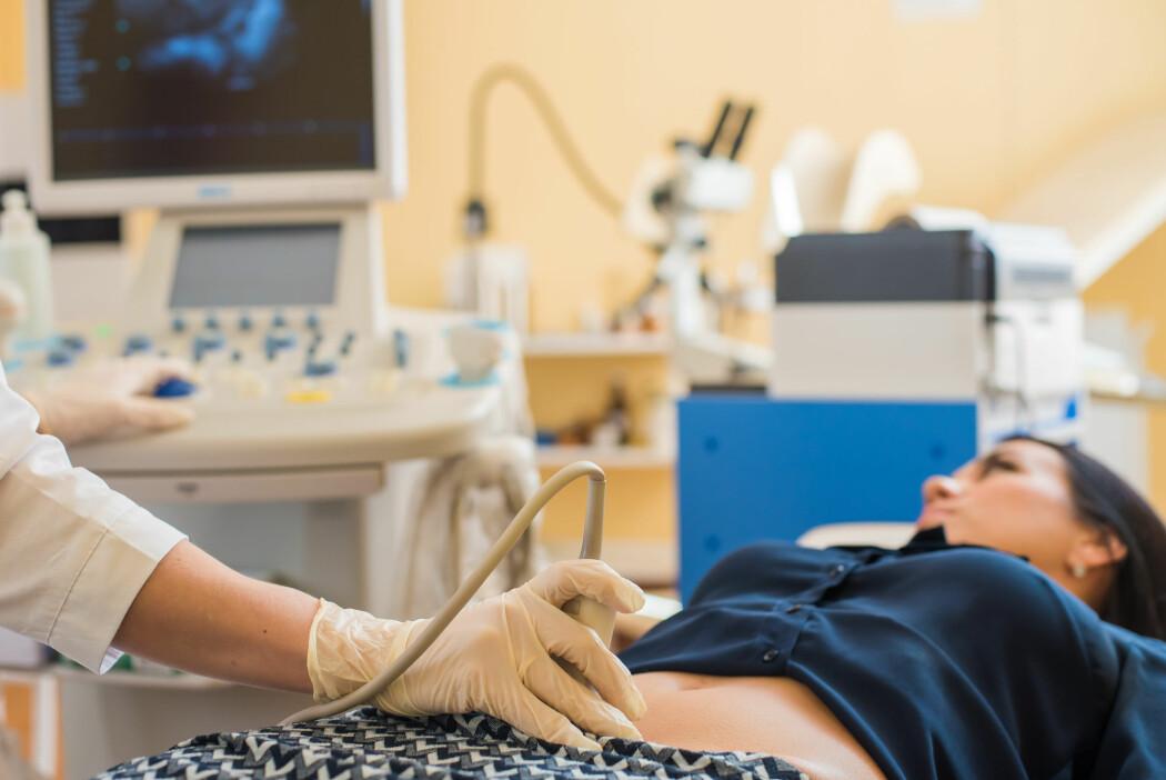 Nå som vi har en ny pandemi, stiller forskerne seg spørsmålet om hvordan koronaviruset påvirker gravide og fostre.