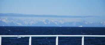 Grønlandsisen vil bidra stadig mer til havnivåstigningen etter hvert som det blir varmere, viser beregningene. Her fra Kapp Farvel, ved sørspissen av øya. (Foto: Hanne Østli Jakobsen)