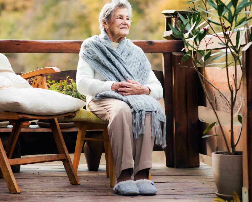 Tøfler er komfortabelt, men ikke alltid trygge å gå i. Forskere anbefaler at også eldre bruker barfotsko, som er utviklet for å gi løpere en mer naturlig løpestil.