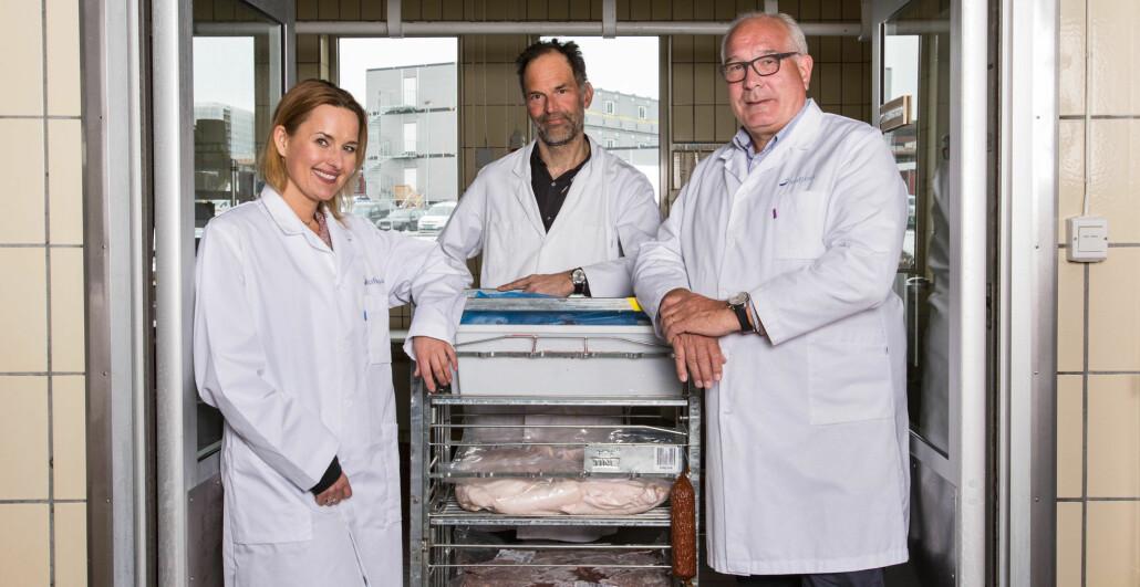 Det nye senteret kan sikre kort vei mellom forskningsresultater og bruk i næringslivet. Hos Nofima er det glede. Her er forskningssjef Ragnhild Dragøy, seniorforsker Petter Wold og administrerende direktør Øyvind Fylling-Jensen.