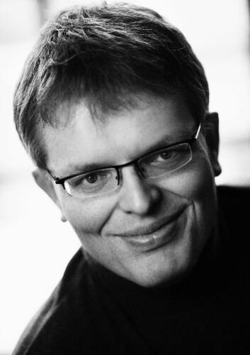 Erik Newth er forfatter og fremtidstenker. (Foto: Jon Michael/Gyldendal)
