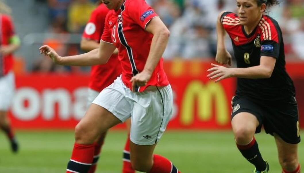 Hvorfor er ikke kvinnefotball ordentlig fotball?