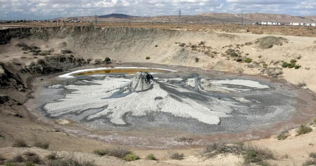 Et krater etter en kollapset slamvulkan i Aserbajdsjan.