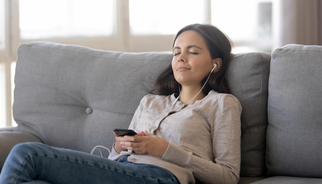 Behandlingen i studien bestod av en kombinasjon av musikkterapi og kognitiv terapi.