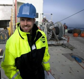 Kjetil Våge under arbeid med riggoperasjoner på dekket av «Knorr». (Foto: Sindre Skrede)