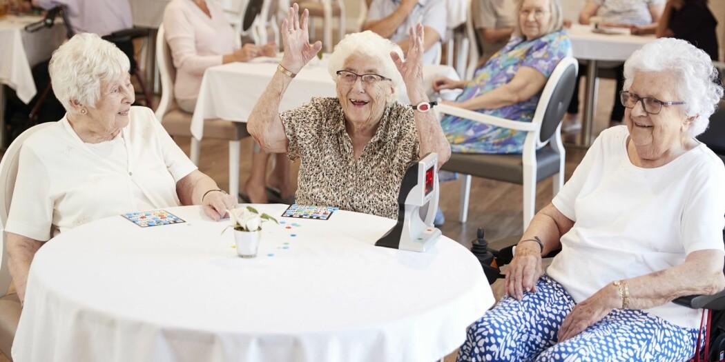 – Det blir stadig flere eldre, og derfor er det viktig at eldre bidrar mer til samfunnet, sier forsker Thomas Hansen.