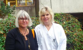 Anne-Lise Bjørke-Monsen (t.v) og Ingrid Torsvik er leger og forskere ved Haukeland universitetssykehus, Bergen. Etter nye forskningsfunn mener de anbefalingen om fullamming bør reduseres  til fire måneder. (Foto: Andreas R. Graven)