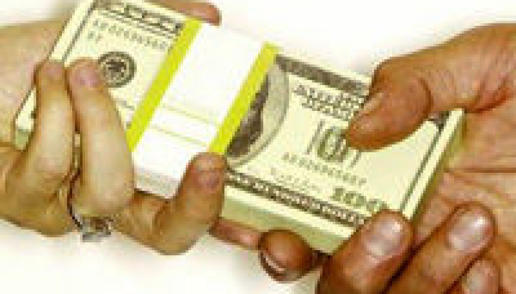 """""""Mikrofinans er et verktøy som kan løfte mange ut av den verste fattigdommen, sier BI-professor Torger Reve."""""""