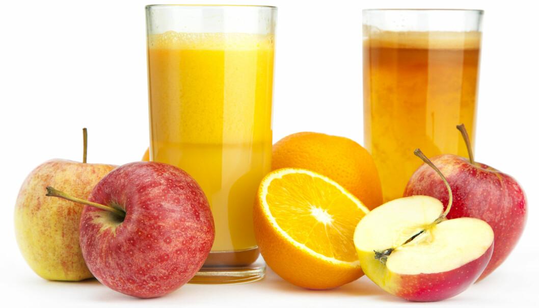 Når epler og appelsiner skal bli til juice, blir de presset, varmet opp og kjølt ned igjen. Blir det mindre vitaminer da?