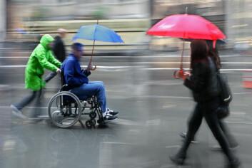 Lesbiske, homofile, bifile og transpersoner med fysiske eller psykiske funksjonshemminger møter ofte fordommer om sin seksualitet blant helse- og omsorgspersoner. (Illustrasjonfoto: www.colourbox.com)