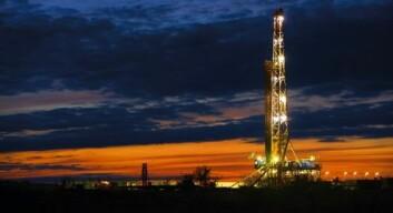 Enorme forekomster av gass og olje ligger i skiferlag under bakken. Her en Statoil-borerigg på Bakken-formasjonen i Midtvesten, som kan være USAs aller største forekomst. (Foto: Statoil)