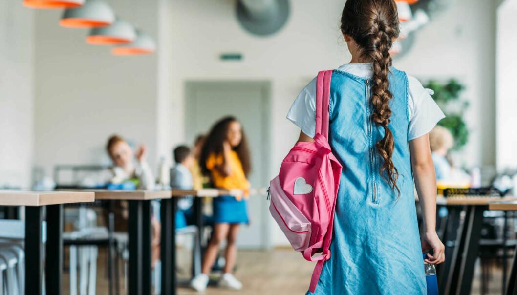 – Hvis et barn engster seg for å gå hjem etter skoletid, ringer alle alarmklokkene. Men når barn blir sittende hjemme fordi de ikke tør å gå på skolen, har skolen fokus på hva som er galt med hjemmet, sier professor Marie-Lisbet Amundsen.