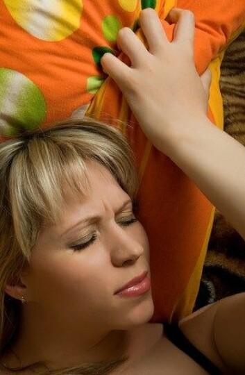 For de fleste kvinnene er orgasmer heldigvis ubetinget deilige. Men hvis de tar p-piller med lav dose østrogen, er det en økt fare for at orgasmen er ledsaget av smerter i underlivet. (Foto: Colourbox)
