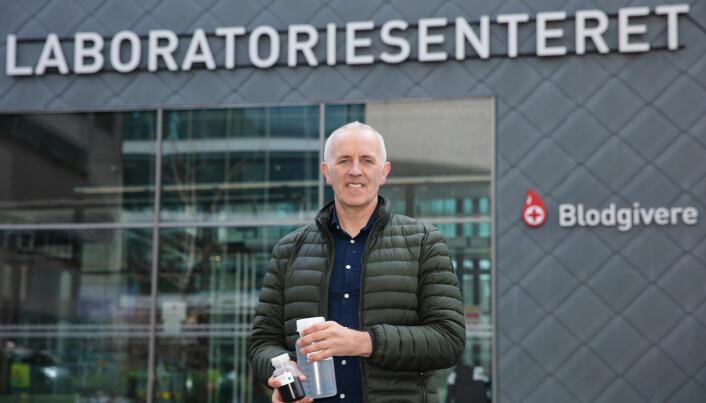 Professor Magnar Bjørås fra Institutt for klinisk og molekylær medisin ved NTNU har stått i spissen for å utvikle en ny testmetode for SARS-CoV-2-virus (koronatest) i tett samarbeid med kolleger på St. Olavs hospital og på Institutt for kjemisk prosessteknologi ved NTNU.