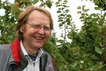 Forsker og avdelingsleder Mekjell Meland ved Bioforsk Ullensvang. (Foto: Marianne Mork-Olsvik)