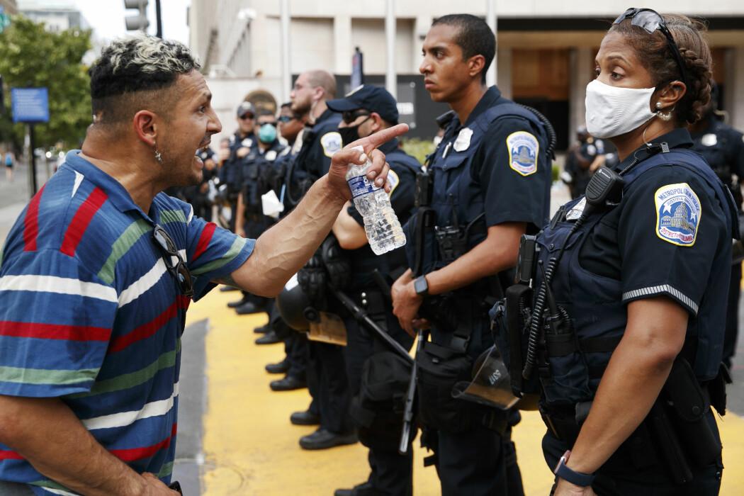 Hvordan framstiller mediene demonstrasjoner?