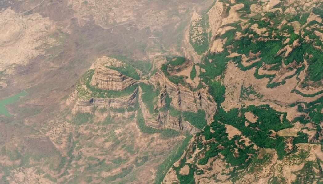 Dette er området som kalles Deccantrappene i dagens India. Her var det svært mye vulkansk aktivitet for rundt 66 millioner år siden, og den varte i lang tid etterpå.