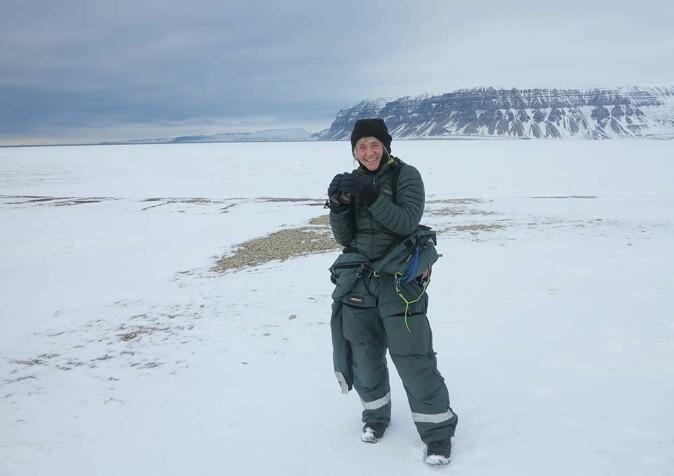 Åshild Ønvik Pedersen bor i Longyearbyen og kunne delta på feltarbeidet da fastboende ikke var bundet til karantenereglene på Svalbard.
