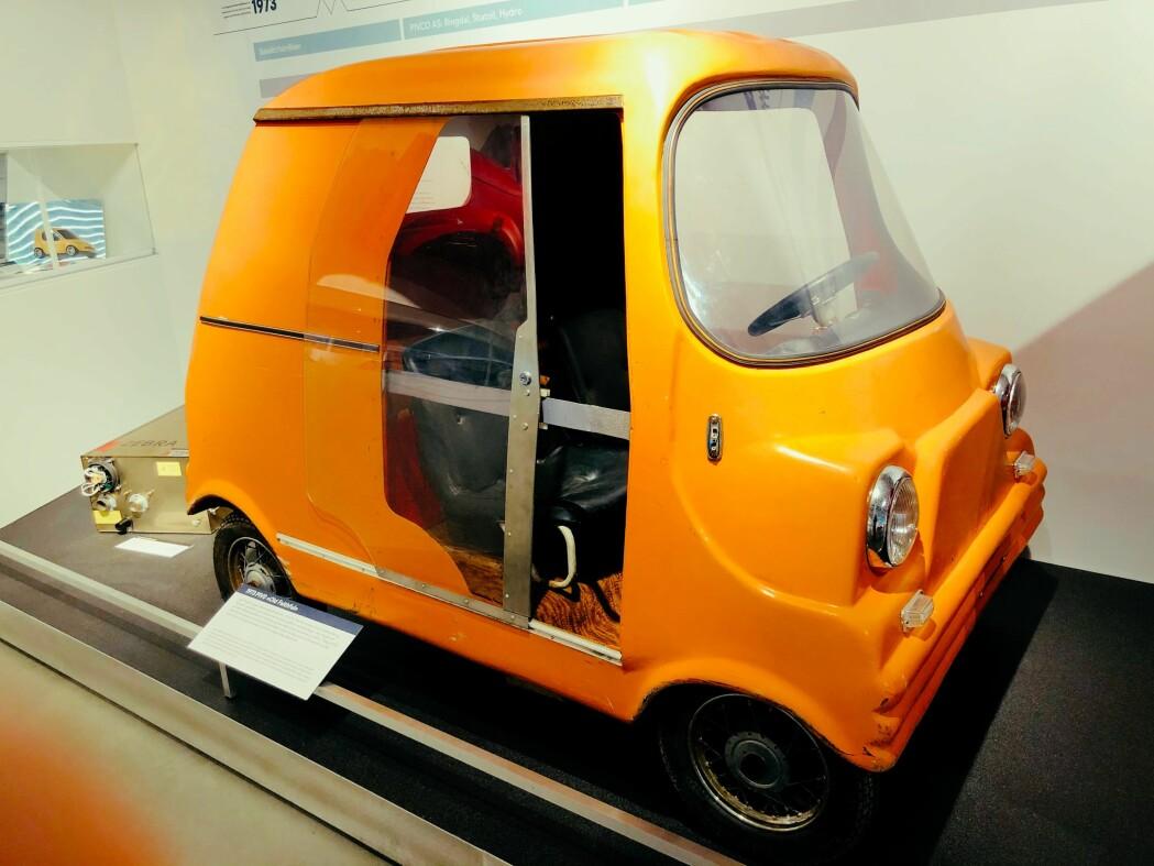 Lars Ringdal var plastfabrikk-gründeren i Aurskog-Høland som også ville begynne å masseprodusere elbiler. Denne eksperimentbilen fra 1972 var hans aller første. Motoren hentet Ringdal fra en vaskemaskin.