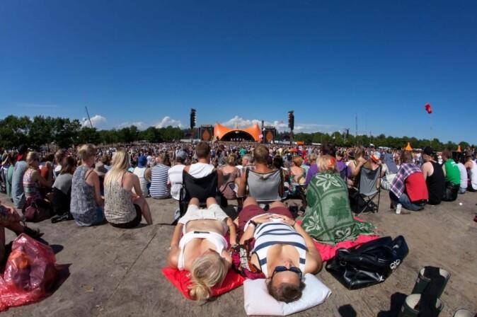 Roskilde Festival: Identitetsmarkør, ikonisk sommerfeiring, sosial smeltedigel, en øy i dagliglivet og for mange sommerens høydepunkt.