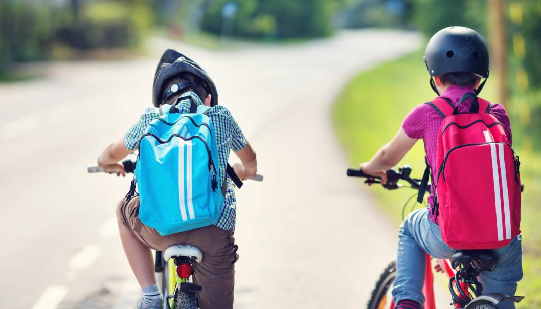 Det er ikke så trygt for førsteklassinger å sykle alene til skolen, mener forsker.