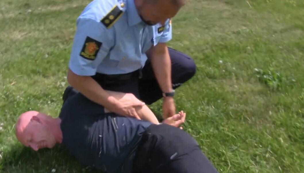 Mange politifolk er usikre på de riktige pågripelsesteknikkene. Lasse Biørnstad