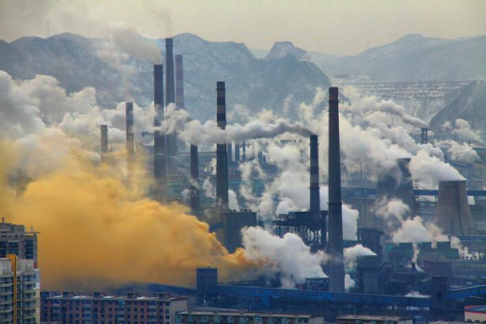Benxi, stålindustri i Kina, februar 2013. (Foto: Andreas/Wikimedia Commons)