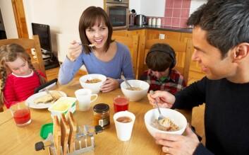 Hjelper frokosten oss til å holde oss slanke? Forskerne kan ennå ikke si for sikkert. (Foto: Colourbox)
