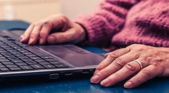 Eldre pleier helsen på nett