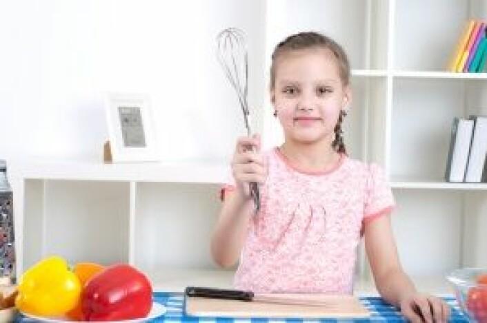 - Alle opererer etter bestemte regler for hvordan de skal oppføre seg på kjøkkenet, sier forsker. Selv om reglene kan variere, er det de samme grunnprinsippene følges i ulike hjem, mener forskeren. (Foto: Colourbox)
