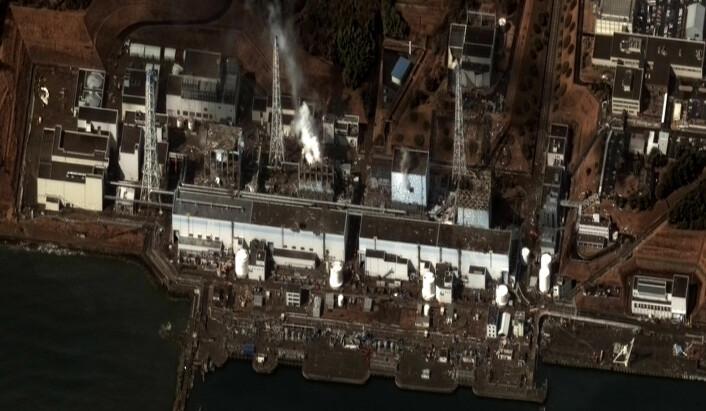 Satellittbilde av skadene på atomkraftverket Fukushima I etter Sendai-jordskjelvet med påfølgende tsunami. Bildet ble tatt 16. mars 2011. (Foto: DigitalGlobe/Flickr/Wikimedia Commons)