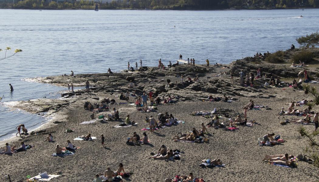 Badegjester på stranda på Huk i Oslo under noen varme dager i april i år.