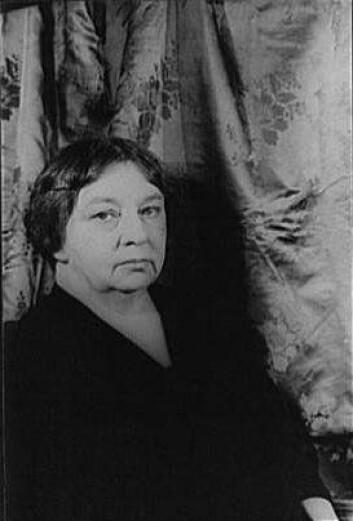 """""""Sigrid Undset, 1927. (Foto: Carl van Vechten)"""""""