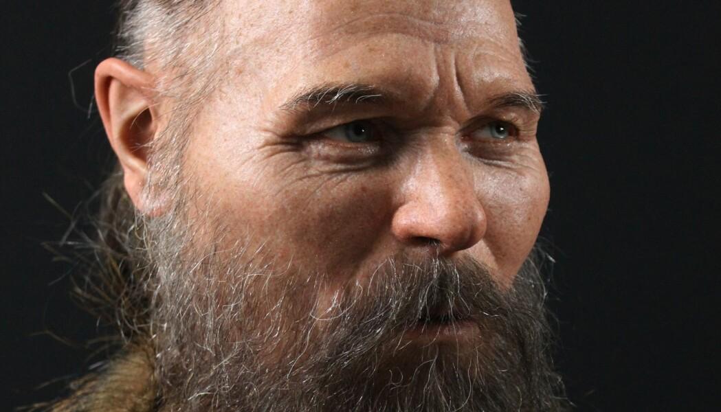 En arkeolog og skulptør har forsøkt å gi et nytt ansikt til steinaldermannen som ble halshogd for 8000 år siden.