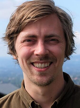 Funnet er ikke nok til å få partikkelfysikere til å hoppe i taket, men nok til å heve en rekke øyebryn, mener Anders Kvellestad.
