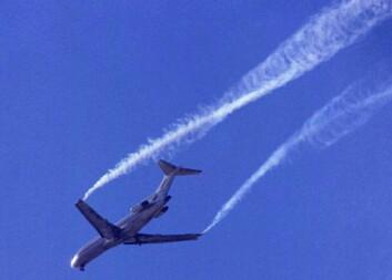 Faren for sterke vakevirvler er årsaken til at det skal være omlag 11 kilometer mellom hvert fly ved avgang og adkomst. (Foto: Sesar)