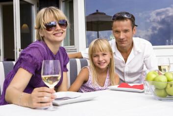 Blant ektepar som drikker mye eller har forskjellige drikkemønstre, er det større fare for skilsmisse. (Illustrasjonsfoto: www.colourbox.no)