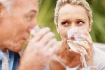 Halvparten av norske kvinner som drikker mye, har en mann som drikker mye. (Foto: Shutterstock)
