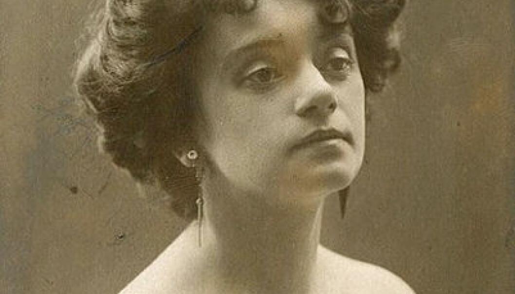Gyda Christensen som Hanna Glawari i «Den glade enke» i 1908. Året etter ble det en helt annen dans på norske scener. Otto Borgen