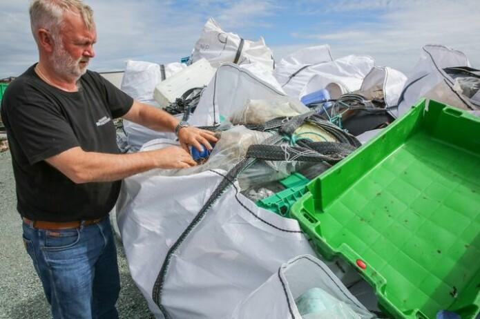 Odd Arne Arnesen har funnet søppel fra hele verden langs øyene utfor Mausund. De vanligste landene å finne søppel fra er Norge og Storbritannia, men han har også funnet søppel fra Mexico og Canada.