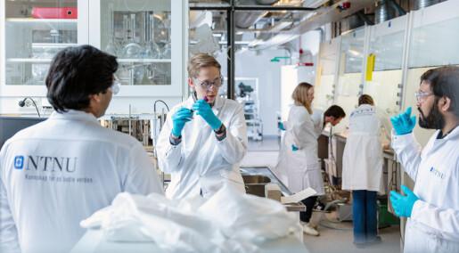 Storstilt dugnad sikret Norge nok korona-tester:Da universitetet måtte starte fabrikk
