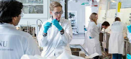 Storstilt dugnad sikret Norge nok korona-tester: Da universitetet måtte starte fabrikk