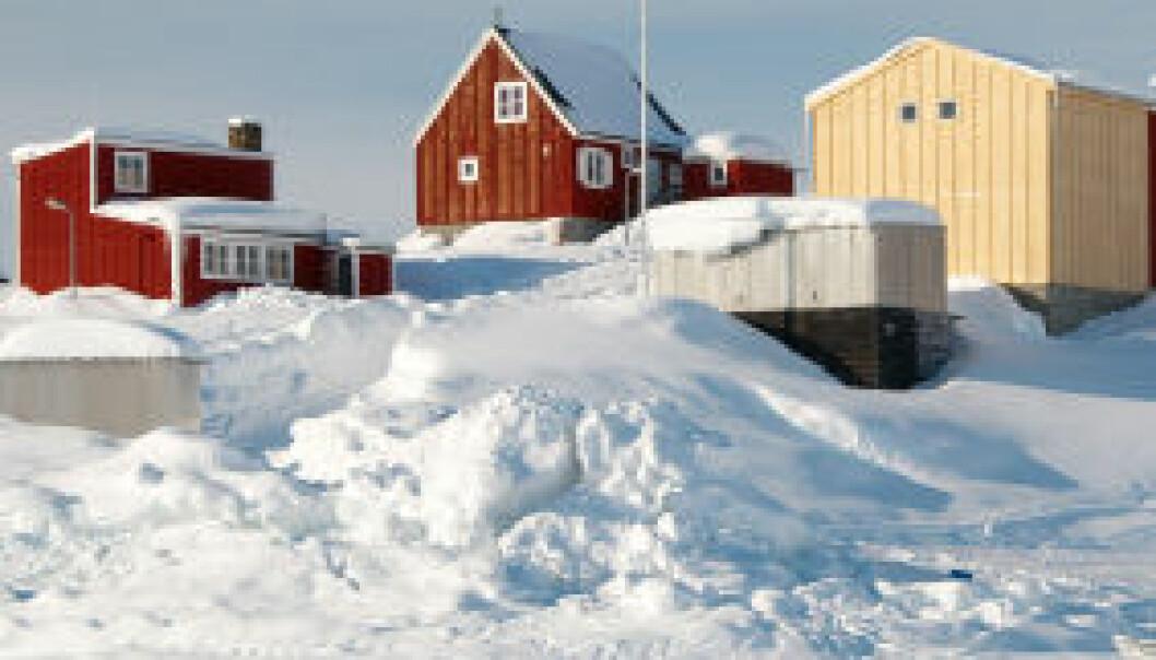 En liten landsby på Grønland. iStockphoto