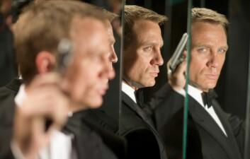Dette er den Bond vi har blitt vant til å se, med pistol i hånd. Men tidligere versjoner av spionen var langt mer fredsommelig enn det som har blitt vanlig i de nyere filmene. (Foto: Sony Pictures Release International)
